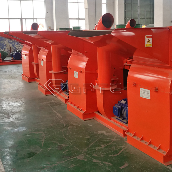 How is the straw crusher machine used for fertilizer granulation?